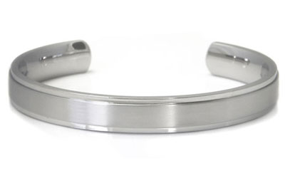 Titanium 10MM Cuff Bangle w/ Raised Center